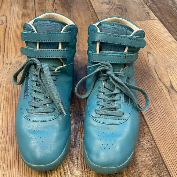 Womens Freestyle Turquoise Sneakers